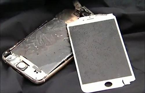 explodierende iphone akkus anwender berichtet ber defekt im standby iphone. Black Bedroom Furniture Sets. Home Design Ideas