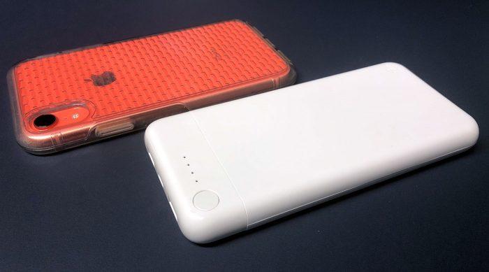 Belkin Boost Charge Akku Neben Iphone Xr
