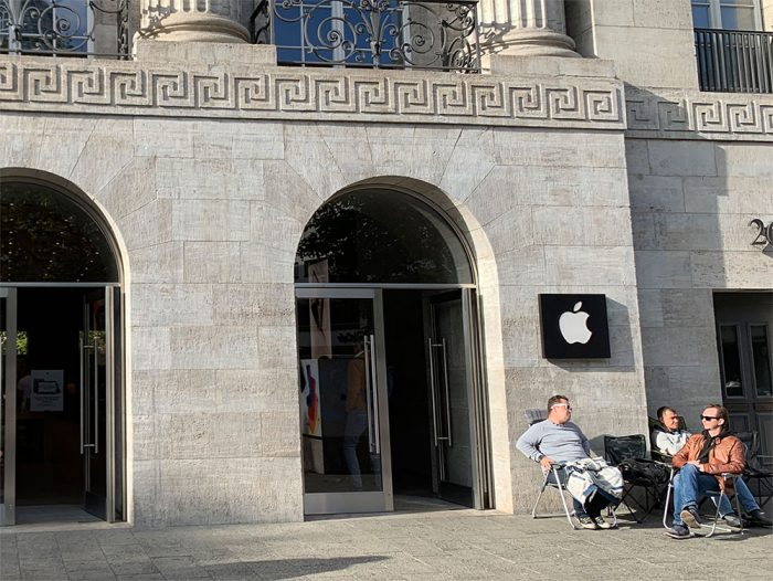 Apple Berlin Iphone 11 Schlange