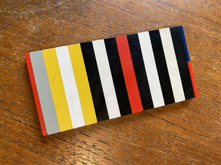 lego-iphone-12-mini.jpg